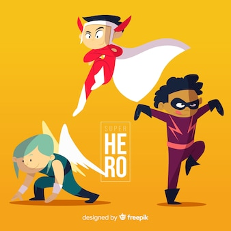 Pack de crianças vestidas de super-heróis