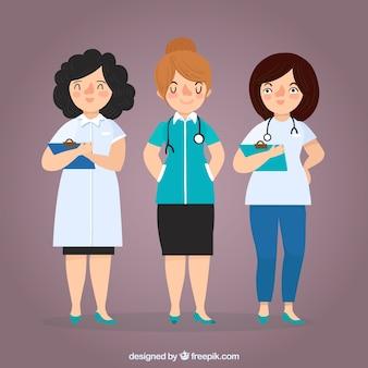 Pack de médicos do sexo feminino com prancheta e estetoscópio