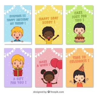 Pacote de cartões de aniversário com crianças desenhadas a mão