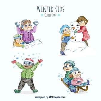 Pacote de crianças que apreciam o inverno no efeito aquarela