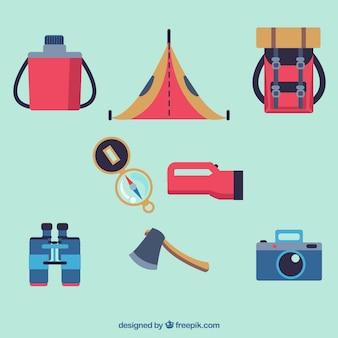 Pacote de equipamento de aventura em design plano