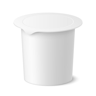 Pacote de iogurte, sorvete ou creme azedo realista de vetor em background branco. ilustração 3d. maquete de recipiente plástico com tampa isolada. modelo para seu projeto. vista lateral.