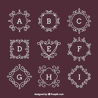 Pacote de monogramas ornamentais desenhados a mão