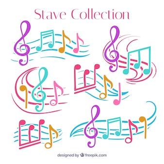 Pacote de pentagramas com notas musicais coloridas