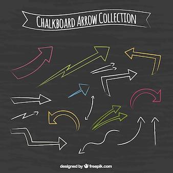 Pacote de setas desenhadas mão coloridas
