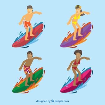 Pacote de surfistas com pranchas de surf