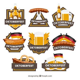 Pacote divertido de etiquetas mais oktoberfest com design plano