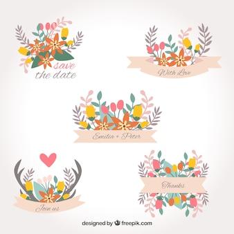 Pacote encantador de etiquetas de casamento florais Vetor grátis
