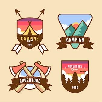 Pacote vintage de emblemas de acampamento e aventuras