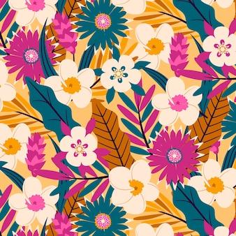 Padrão com flores e folhas exóticas
