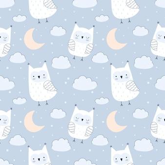 Padrão de vetor sem costura com giros corujas, nuvens, estrelas e lua. paleta pastel, fundo azul. de fundo vector sem costura para bebês, tecidos, papéis de parede.