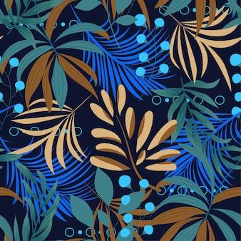 Padrão sem emenda brilhante de verão com folhas tropicais coloridas e plantas sobre um fundo escuro