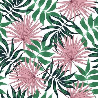 Padrão sem emenda colorido com folhas tropicais, sobre um fundo claro