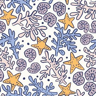 Padrão sem emenda com conchas, corais e estrelas do mar. fundo marinho. perfeito para saudações, convites, papel de embrulho, têxteis, casamento e web design.