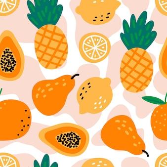 Padrão sem emenda com frutas abacaxis, limões, mamão, pêra, laranja em fundo branco.