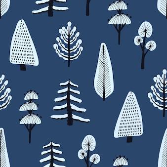 Padrão sem emenda com várias árvores de inverno desenhadas à mão e cobertas pela neve