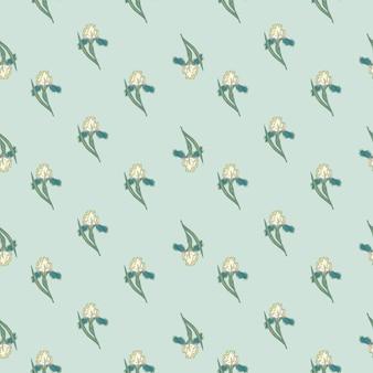 Padrão sem emenda de ornamento de flor de íris pequena no estilo da natureza. fundo azul claro. ilustração vetorial para estampas de têxteis sazonais, tecidos, banners, cenários e papéis de parede.