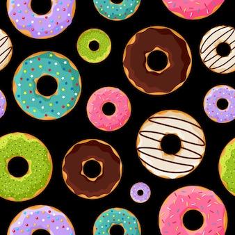 Padrão sem emenda de rosquinhas doces vitrificadas coloridas bonitos em fundo preto. ilustração em vetor donut padaria alimentos plana