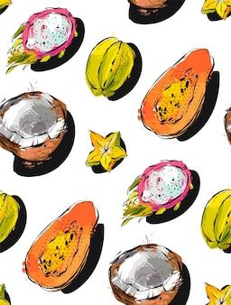 Padrão sem emenda desenhada de mão com frutas tropicais exóticas de mamão, fruta do dragão, coco e carambola