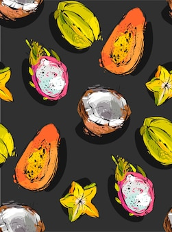 Padrão sem emenda incomum texturizado à mão livre com frutas tropicais exóticas de mamão, fruta do dragão, coco e carambola isoladas no fundo preto,