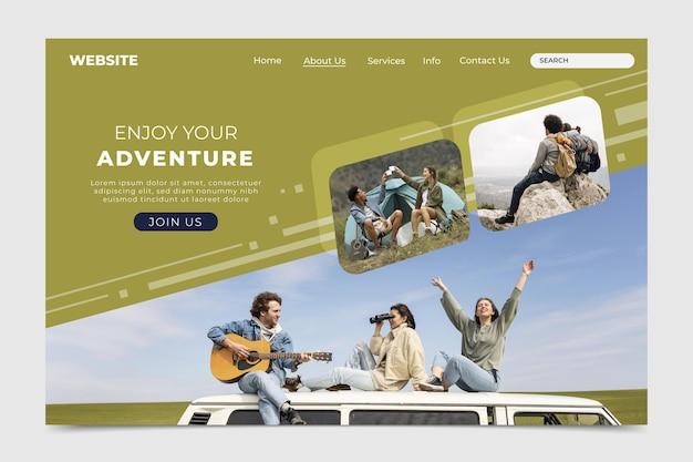 Página de destino de aventura plana com foto