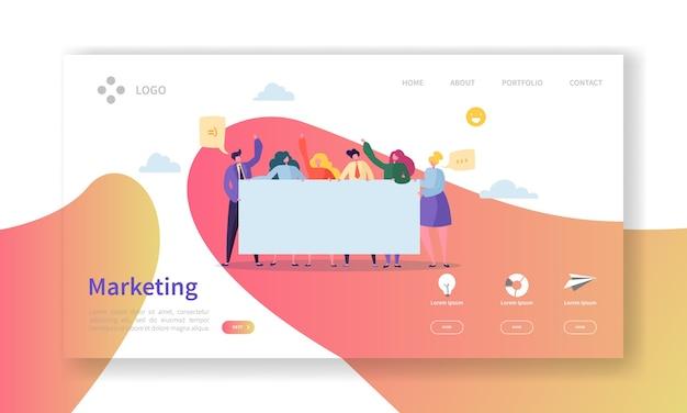 Página inicial da equipe de marketing. conceito de trabalho em equipe com personagens de negócios trabalhando juntos modelo de site.