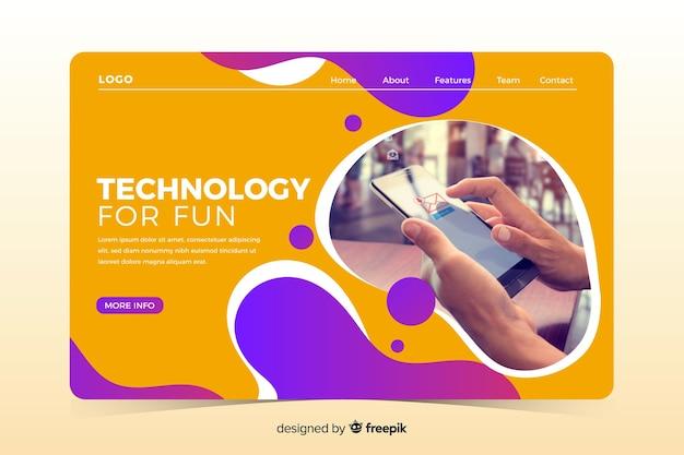 Página inicial de tecnologia com design líquido