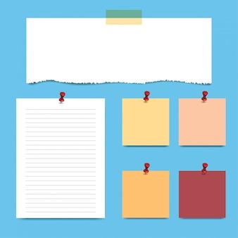 Páginas de bloco de notas quadradas em branco e pin