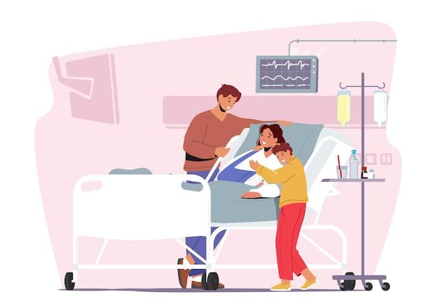 Pai e filho visitando a mãe doente com fratura no braço. caráter de paciente feminina aplica tratamento em hospital de traumatologia