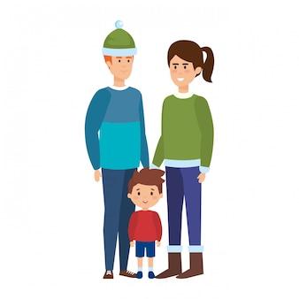 Pais casal com filho com roupas de inverno