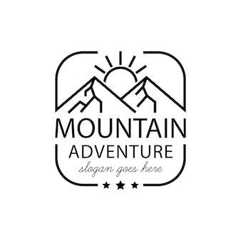 Paisagem de montanha do nascer do sol com foco redondo moldura de lente quadrada para aventura ao ar livre natureza fotógrafo logo design