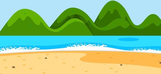 Paisagem de praia vazia com montanhas