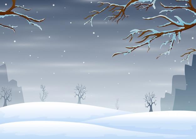 Paisagem do inverno com galhos de árvores congeladas cobertas de neve