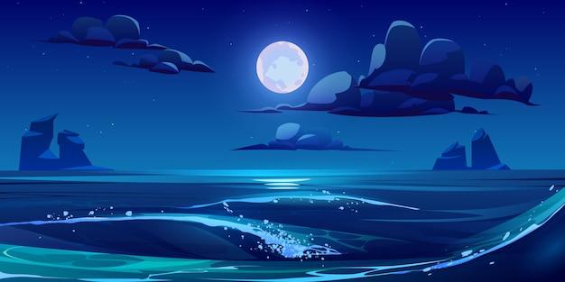 Paisagem do mar à noite com lua, estrelas e nuvens