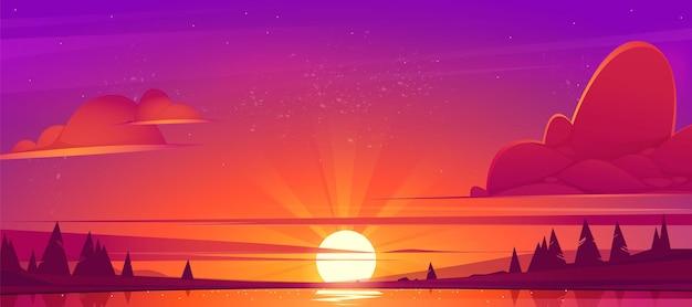 Paisagem do pôr do sol com lago, nuvens no céu vermelho, silhuetas nas colinas e árvores na costa