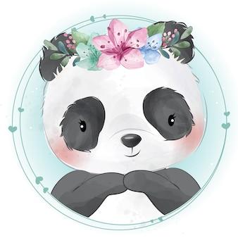Panda pequeno bonito com retrato floral