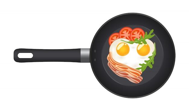 Panela com ovo frito em forma de coração, com bacon, tomate e rúcula. vista do topo.