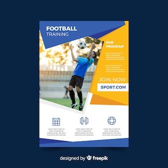 Panfleto de esporte com homem jogando futebol