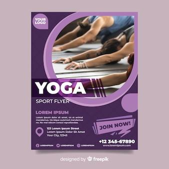 Panfleto de esporte de ioga com foto