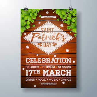 Panfleto de festa de comemoração do dia de saint patricks com trevo e tipografia carta na madeira vintage