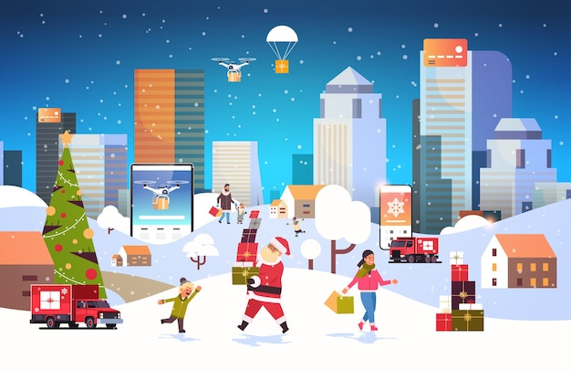 Papai noel carregando caixas de presente pessoas com sacolas de compras caminhando ao ar livre se preparando para os feriados de ano novo de natal homens mulheres usando aplicativo móvel online paisagem urbana de inverno