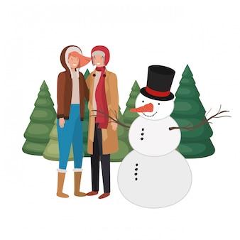 Par, com, boneco neve, e, pinheiros