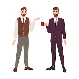 Par de homens barbudos vestidos com roupas de negócios ou trabalhadores de escritório falando e bebendo café. diálogo entre colegas, conversa profissional no trabalho. ilustração em vetor plana dos desenhos animados.