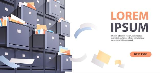 Parede do gabinete de arquivo com catálogo de cartão aberto e documentos voadores arquivo de dados armazenamento conceito de administração de negócios cópia espaço ilustração vetorial horizontal