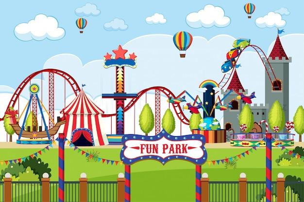 Parque de diversões com muitos passeios durante o dia