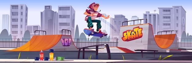 Parque de skate com menino andando de skate. vector cartoon paisagem urbana com rampas, graffiti nas paredes, aerossóis para desenho e salto adolescente na pista. playground para esportes radicais