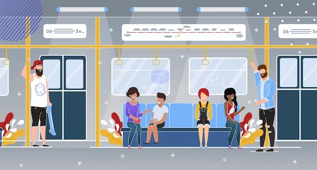 Passageiros de metrô em wagon flat
