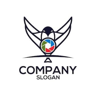 Pássaro com um logotipo da câmera