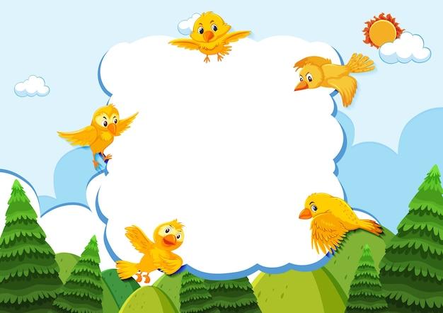 Pássaro feliz na bandeira em branco do fundo da natureza