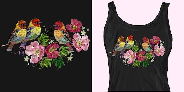 Pássaros bordados e rosas selvagens